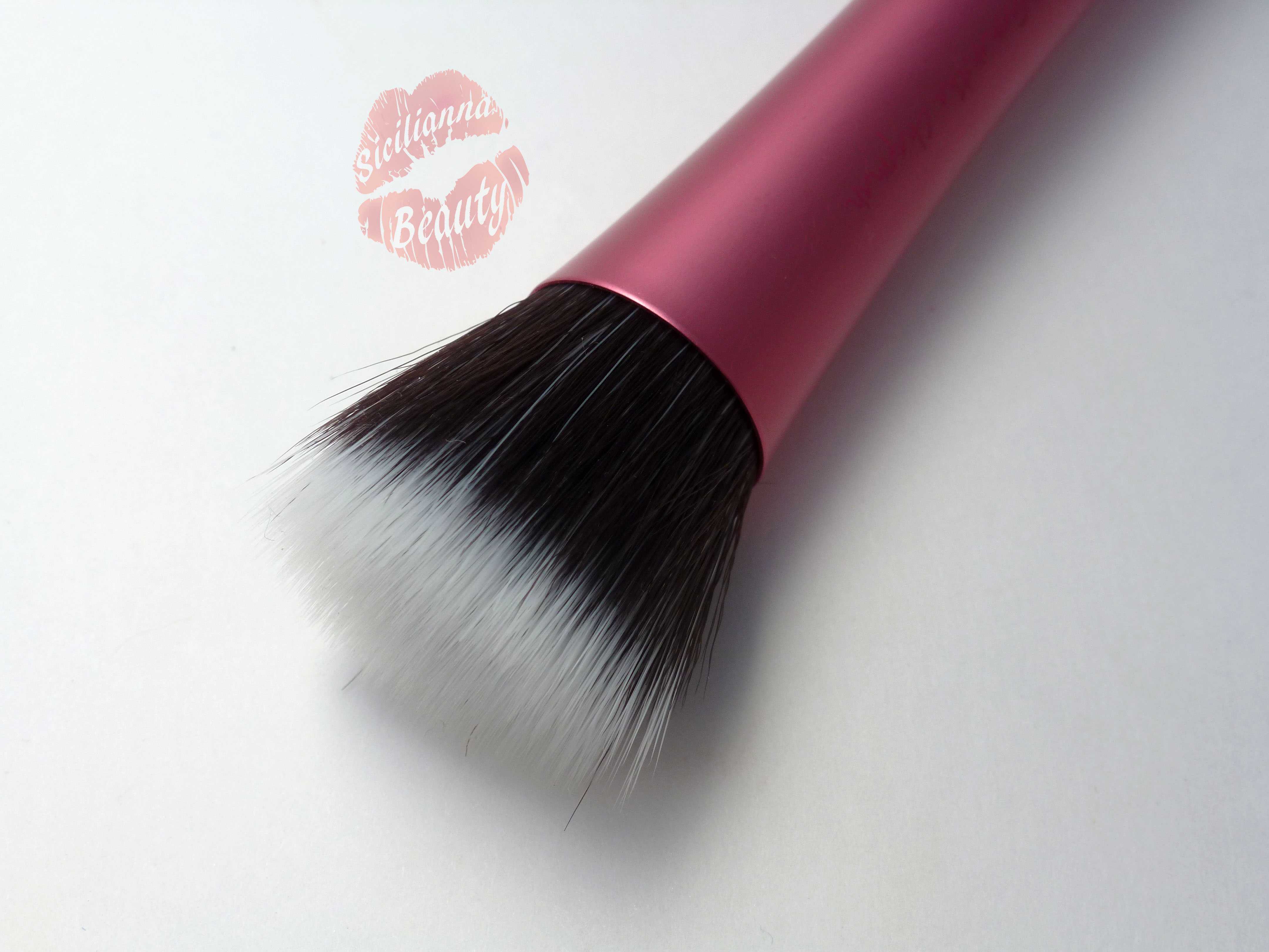 REVIEW: Real Techniques Stippling Brush