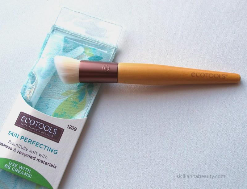 REVIEW: EcoTools Skin Perfecting Brush